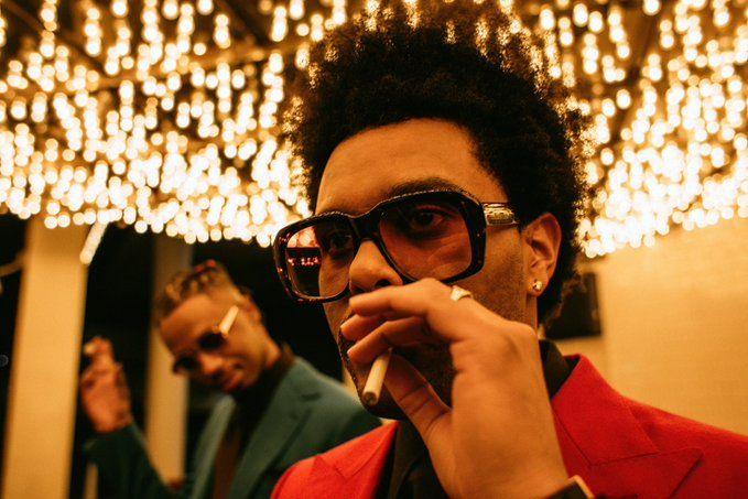 "The Weeknd เปิดตัวเอ็มวีใหม่ ""Blinding Lights"""